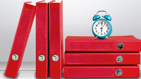 Bild Ordner und Uhr