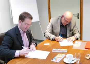 Bild Unterzeichnung Unterzeichnung Kooperationsvertrag Kallin/SCS